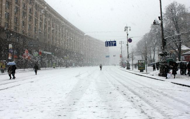 Фото: завтра будет ограничено движение транспорта на Крещатике