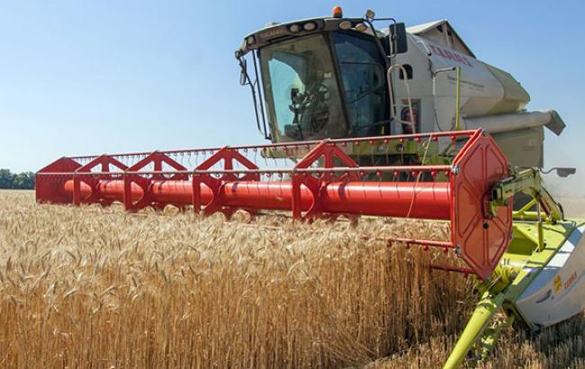 Українські аграрії станом на 11 листопада обмолотили 95% площ зернових, - МінАП