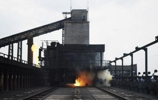 МВД сообщает о разрушениях на Авдеевском коксохиме из-за обстрелов боевиков
