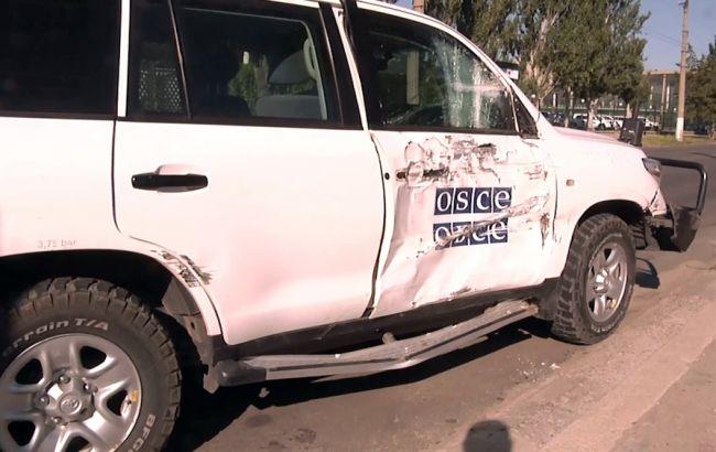 Фото: автомобіль місії ОБСЄ потрапив у ДТП у Луганську