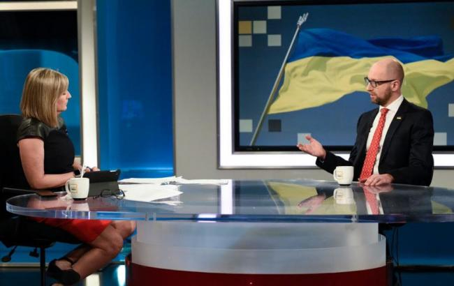 Фото: Арсеній Яценюк на телеканалі CBC