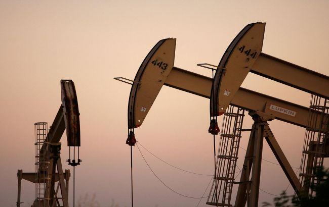 Цена нефти Brent опустилась ниже 52 долл./барр