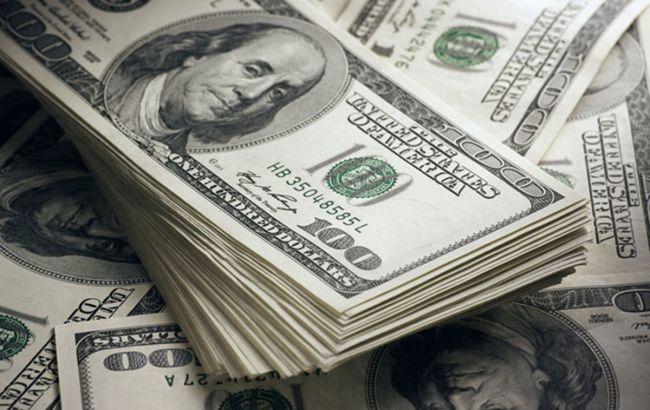 Официальный курс доллара упал ниже 27 грн