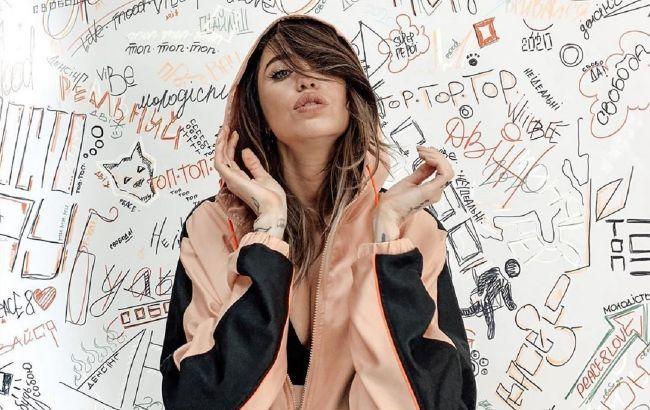 Надя Дорофеева продемонстрировала трендовый лук для прохладного лета
