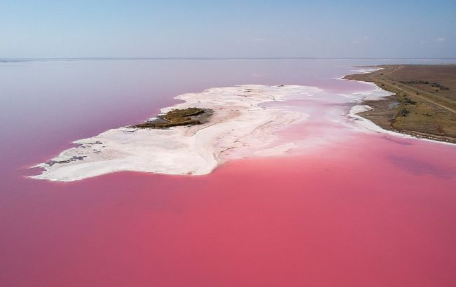 Озера, лиманы и пустыня: лучшие локации Херсонской области, которые стоит увидеть по пути к морю