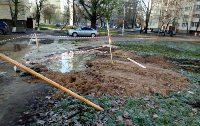 Фото: в Киеве из-за аварии без воды остались 7 домов (vodokanal.kiev.ua)