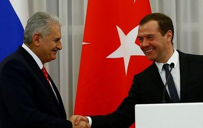 Продалися за помідорки!: Туреччина і РФ зняли обмеження на торгівлю між країнами