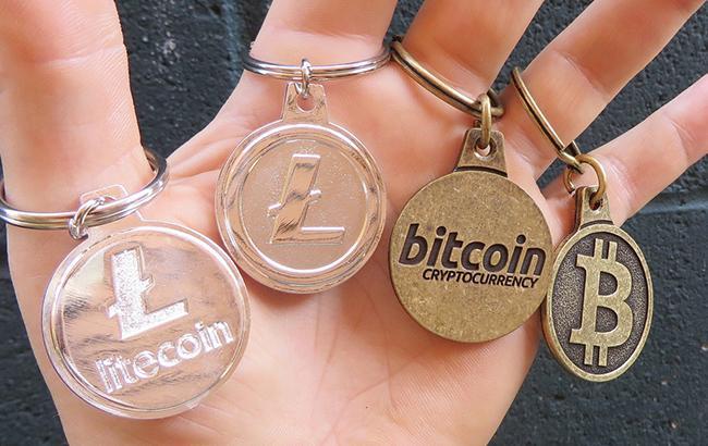Фото: криптовалюты (flickr.com/BTC Keychain)