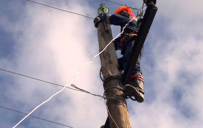 Ремонтные бригады обследуют поврежденные электросети Авдеевки