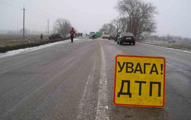 У результаті зіткнення маршрутки та вантажівки у Полтавській обл. загинули 7 осіб