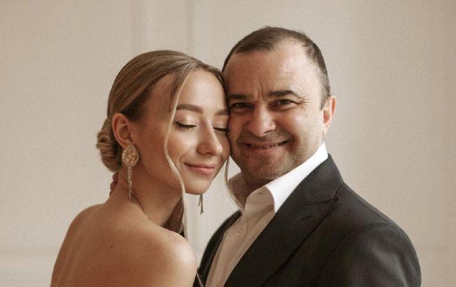 Віктор Павлік та його четверта жінка чекають дитину: астролог розповіла, як довго може протривати шлюб