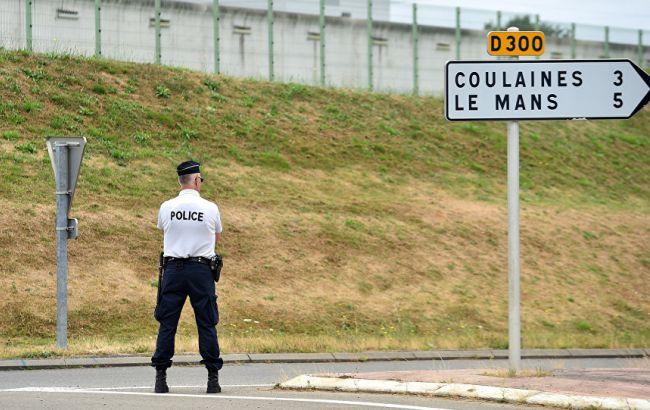 Фото: в'язень у Франції захопив заручників