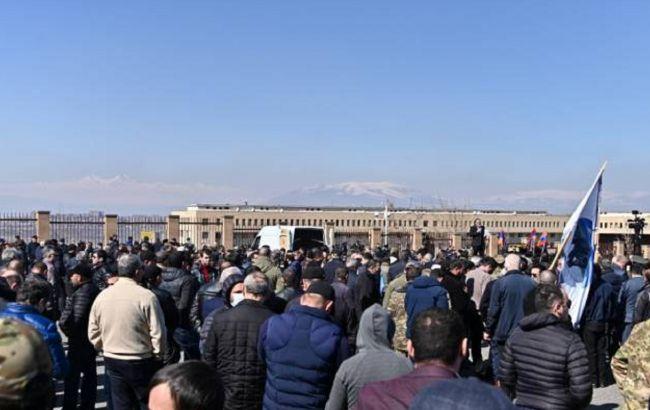 У Вірменії проходить масовий протест за відставку Пашиняна