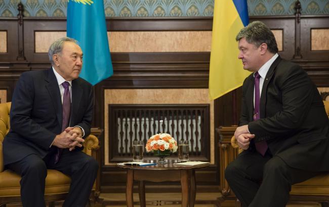 Фото: Нурсултан Назарбаєв і Петро Порошенко