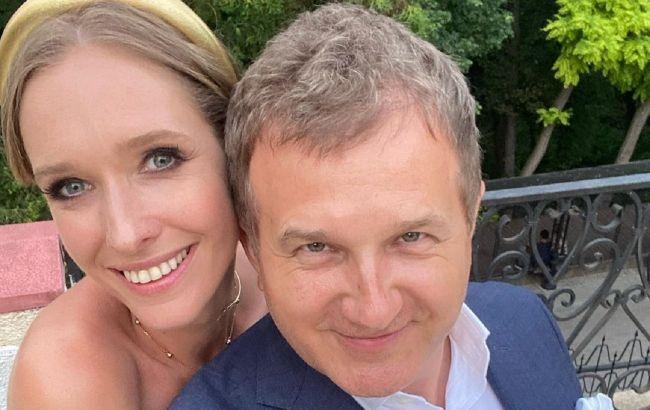 Счастливы вместе: Осадчая и Горбунов устроили романтическую прогулку по ночному Киеву