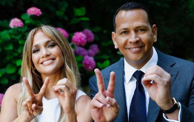 Делают все возможное: инсайдер рассказал, как спасают отношения Дженнифер Лопес и Алекс Родригес