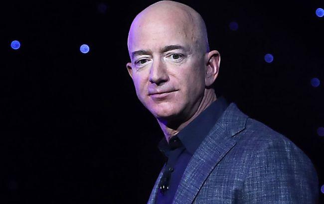 Засновник Amazon втратив перше місце в списку найбагатших людей світу
