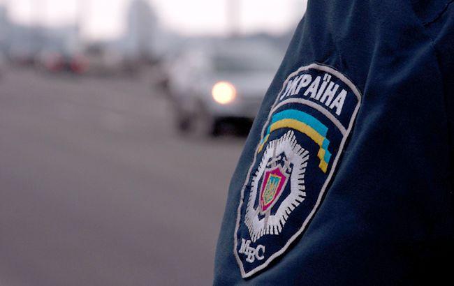 Милиция до сих пор разыскивает двух осужденных, сбежавших во время этапирования в Хмельницкой обл