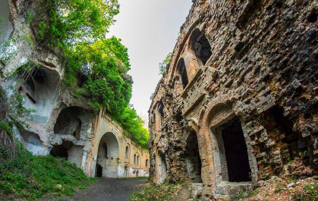 Успейте посетить: уникальный украинский форт, который может скоро исчезнуть
