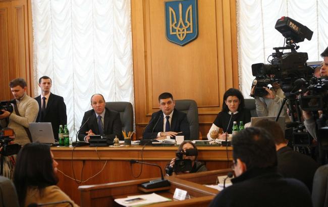 В Україні реалізується сценарії штучного створення політичної кризи, - Сюмар