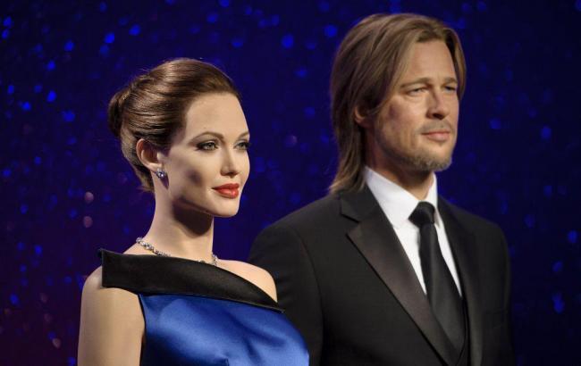 Фото: Восковые статуи Анджелины Джоли и Брэда Питта (meltyfashion.fr)