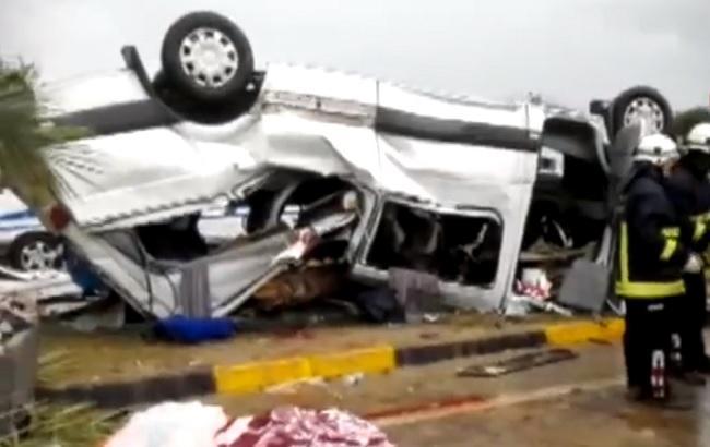 Фото: наслідки ДТП в Антальї (скріншот із відео Hurriyet)