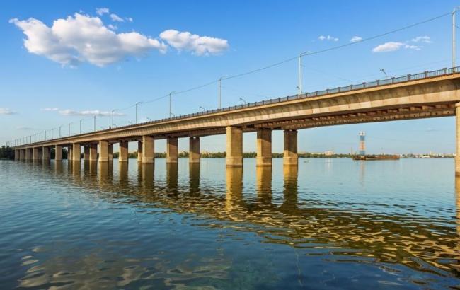 Фото: мост в Днепре, с которого прыгнул неудавшийся самоубийца