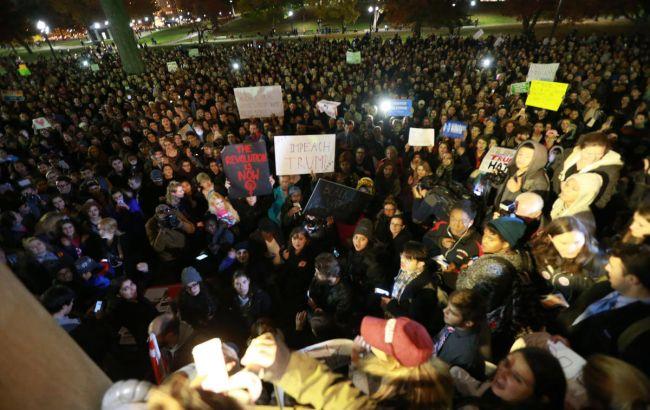 Фото: акции протеста в Портленде переросли в беспорядки