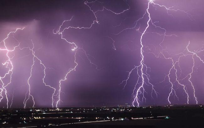 В Украину несется грозовая стихия: где будет самая лютая погода