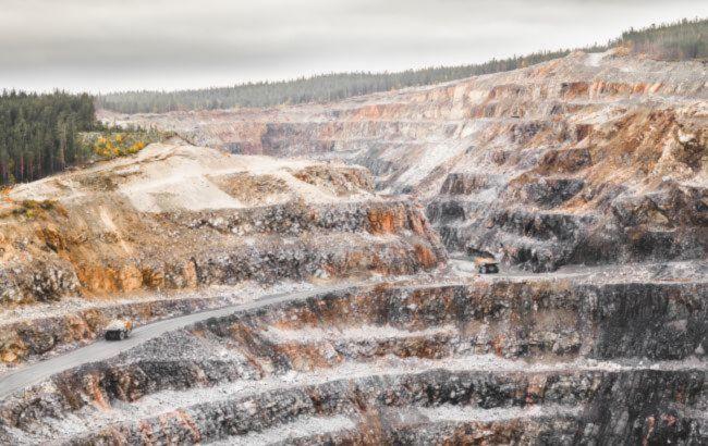 За полтора месяца руда обвалилась в стоимости на 50 долларов