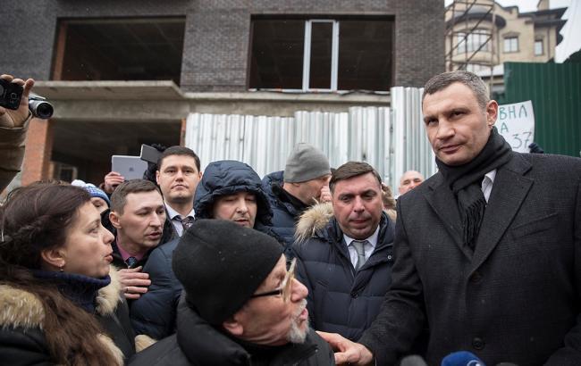 Кличко поручил остановить незаконную стройку на Печерске