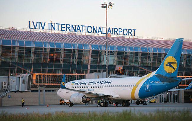 """Аеропорту """"Львів"""" призупинив роботу через інцидент з літаком"""
