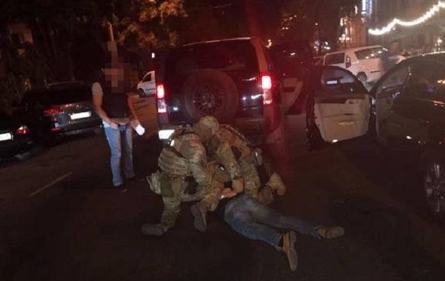 СБУ затримала на хабарі керівника управління Одеської ОДА
