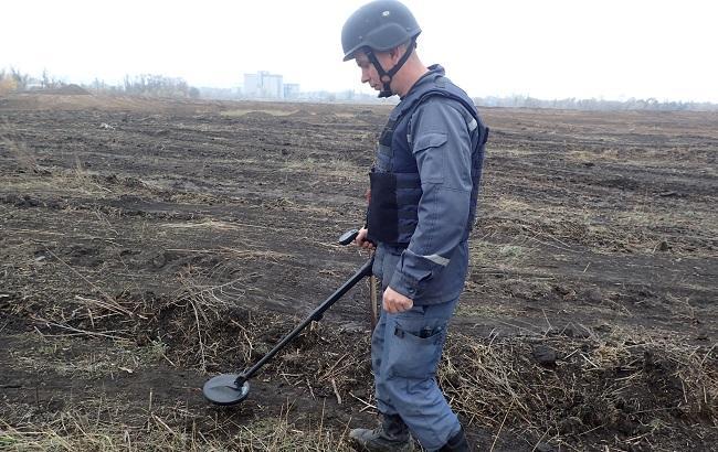 ГСЧС изъяла более 2,5 тыс. взрывоопасных предметов при разминировании в Калиновке