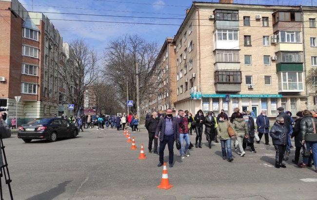 Центр Полтавы перекрыли протестующие: движение транспорта ограничено
