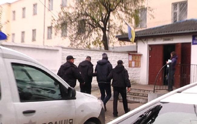 У Рівненській області затримали двох викрадачів елітних авто