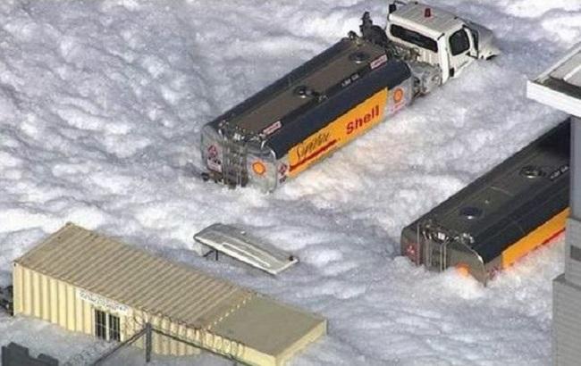 Фото: противопожарная пена на улицах Калифорнии