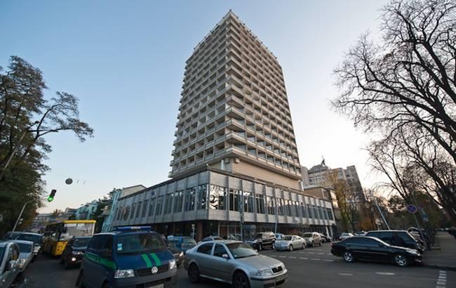 """Депутатам не очень нравится жить в гостинице """"Киев"""" - даже за народные деньги"""