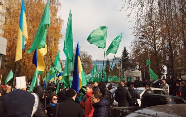 Фото: мітинг УКРОПу перемістився до слідчого ізолятору СБУ