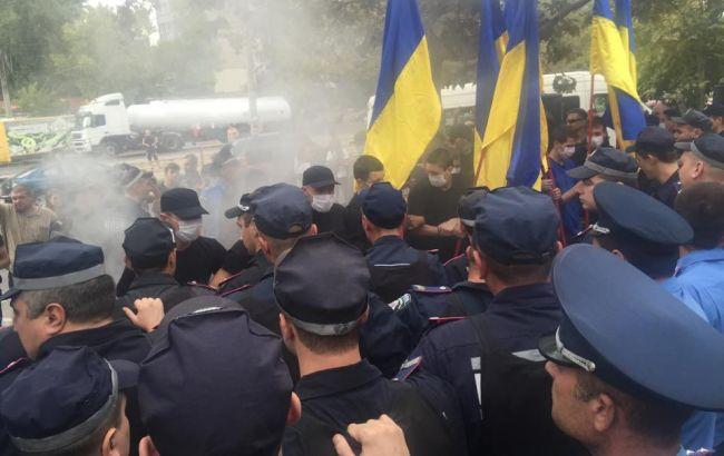 """В Одесі почалися заворушення під судом, який розглядає арешт лідера """"Автомайдану"""""""