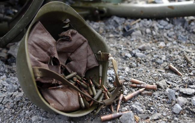Фото: Евродепутам показали кулі, витягнуті з поранених бійців (nachrichten.at)