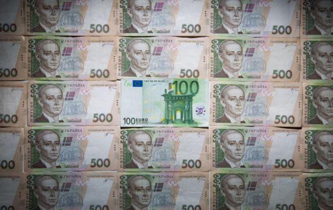 Нацбанк опустил курс евро ниже 30 гривен