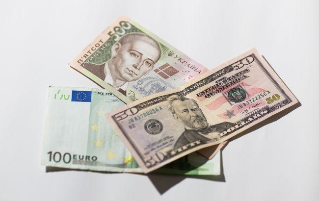 Денежные переводы в Украину сократились на треть миллиарда долларов