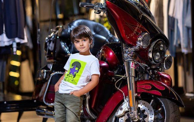 Стильный красавчик: 5-летний сын Ирины Билык снялся в модной фотосессии