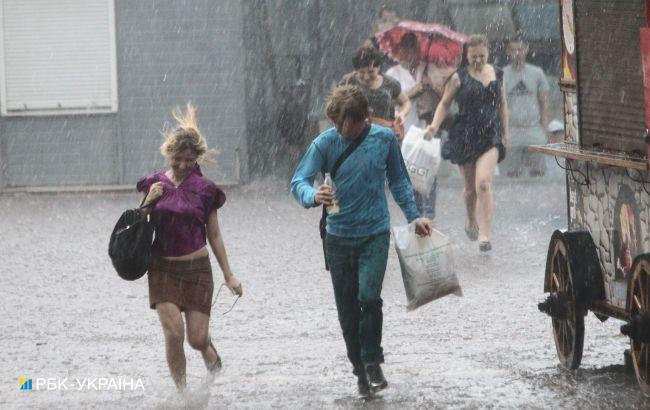 Грозові дощі та шквали: де в Україні сильно зіпсується погода