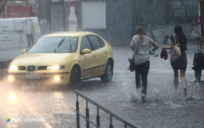 В Україні другий день поспіль грозові дощі по всій країні