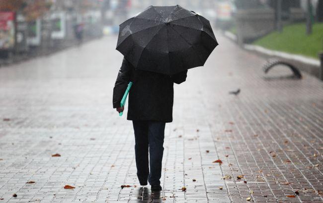 В Україну повернуться мерзенні дощі та холод: коли зіпсується погода