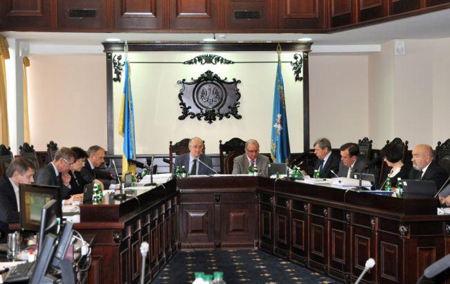 Фото: ВККСУ продлил отстранение судьи от должности