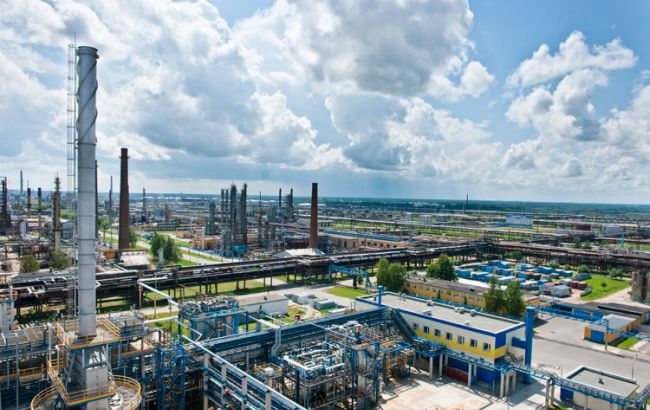 Фото: заводы Беларуси не поставляют топливо на экспорт