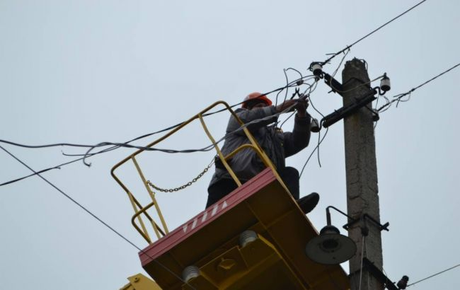Фото: восстановление электросети Авдеевки